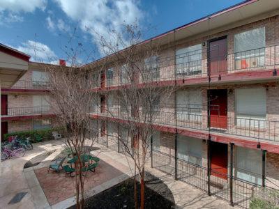 Resolute-Properties-2207-Leon-Place-Condos_11
