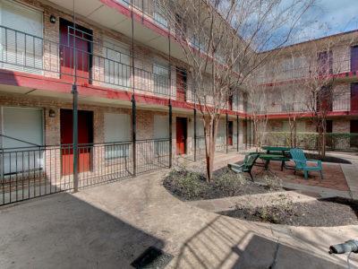 Resolute-Properties-2207-Leon-Place-Condos_15